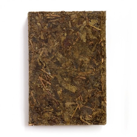 Черный чай в кирпиче
