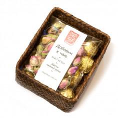 Порционный белый чай с цветочной добавкой в плетеной корзинке