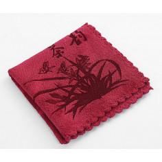 Красное чайное полотенце