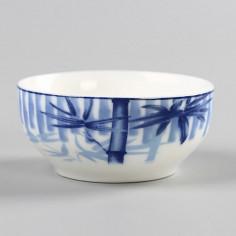 Бело-синяя чаша с бамбуком