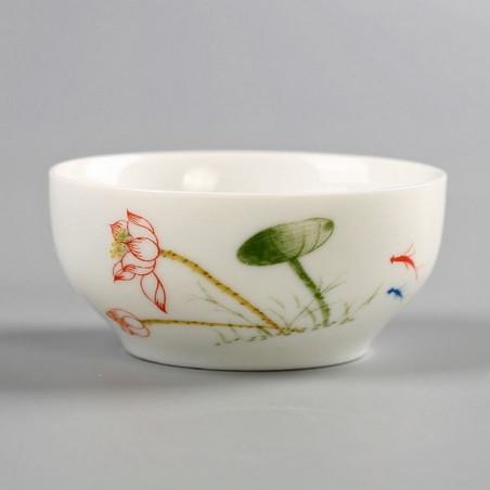 Белая чаша с лотосом