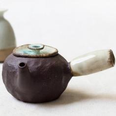 Чайник с боковой ручкой в стиле яобянь