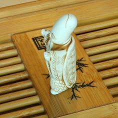 Нэцкэ «Черепаха-перевёртыш» (вытянутые руки)