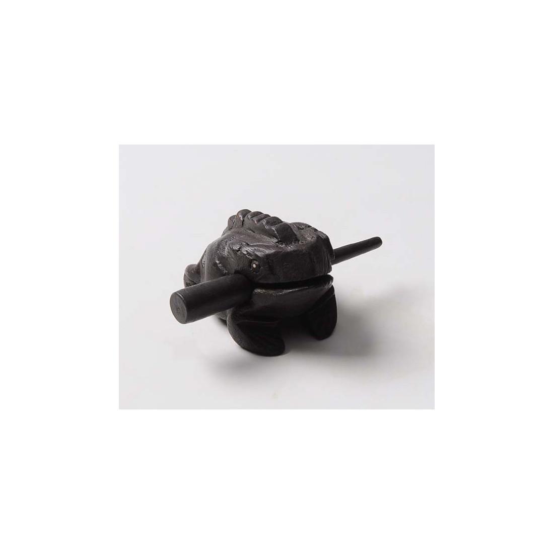 Поющая лягушка, темная