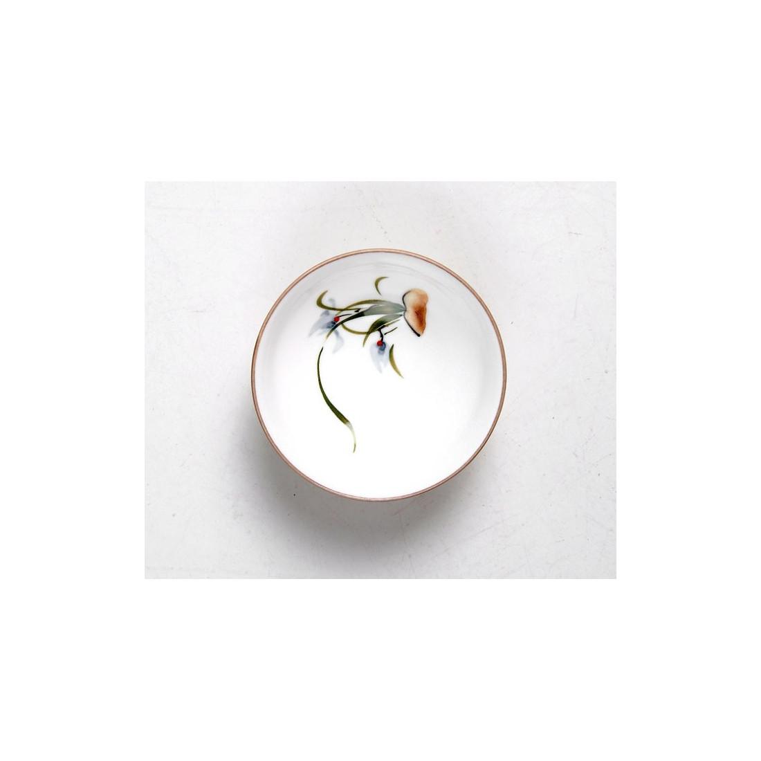Светло-коричневая чаша с орхидеей