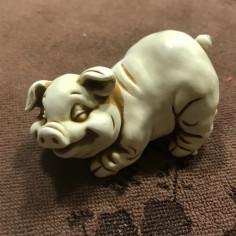 Нэцкэ «Свинья» - символ 2019 года