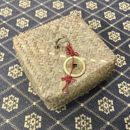 Новогодний набор в плетёной корзинке