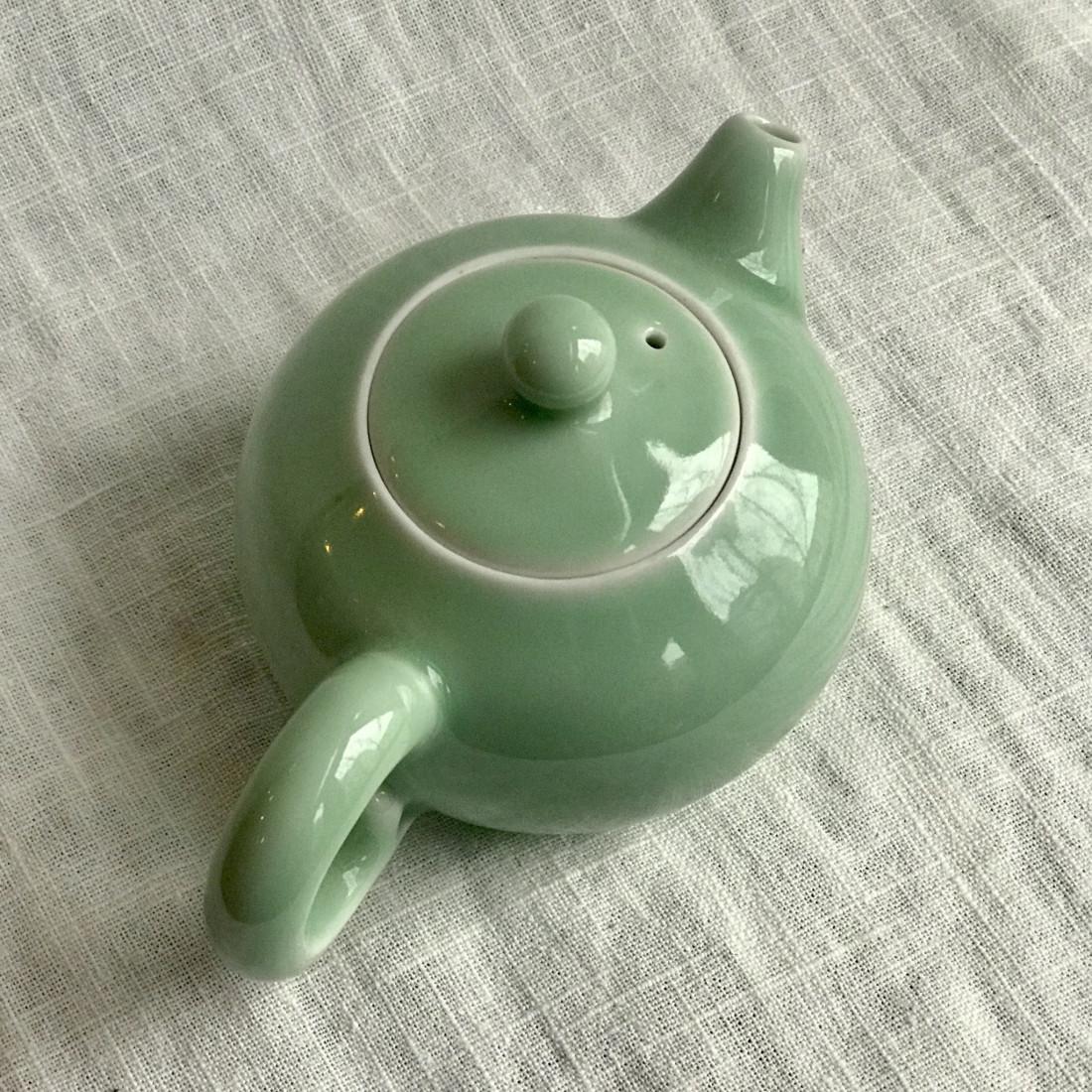 Чайник из селадона Дияо