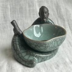 Лу Юй с селадоновым ситечком из гэяо