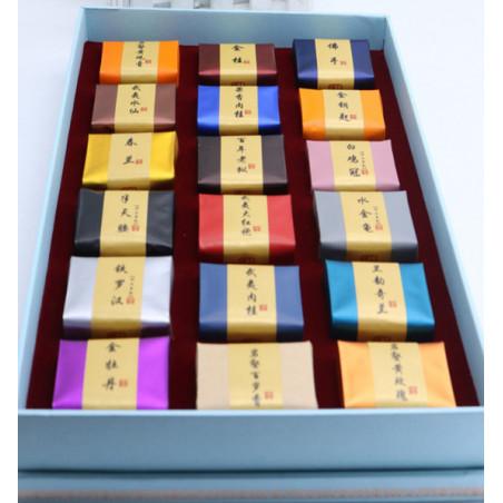 Набор из 18 пробников утесного чая в подарочной коробке