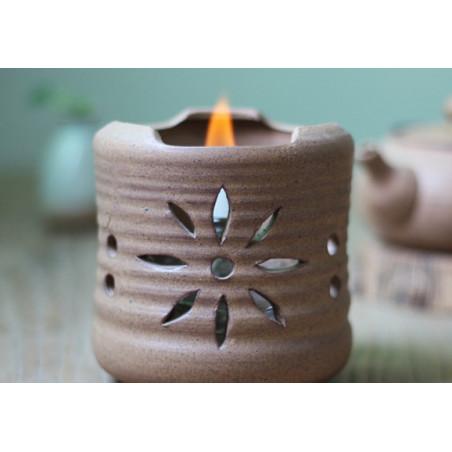 Бежевый керамический чайник с ажурной резьбой для варки пуэра