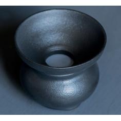 Далекие горы — черное керамическое ситечко на подставке