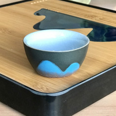 Далекие горы — чаша из гэяо с черной глазурью