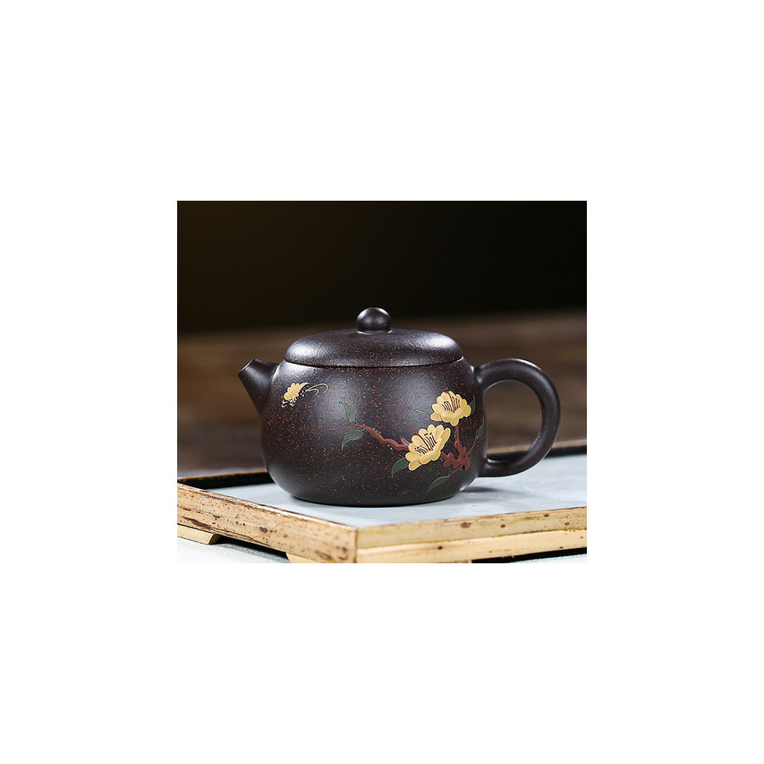 «Встреча весны» — чайник из исинской глины