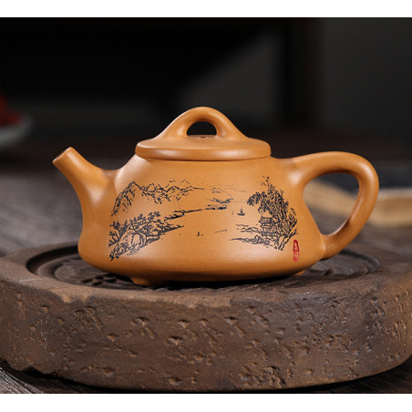 «Каменный черпак» с пейзажем — чайник из исинской глины