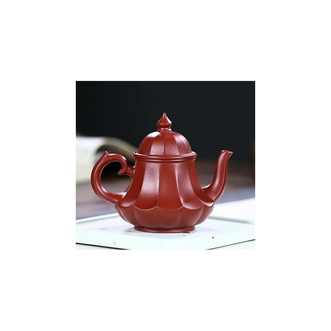 «Фонарь в виде лотоса» — чайник из исинской глины